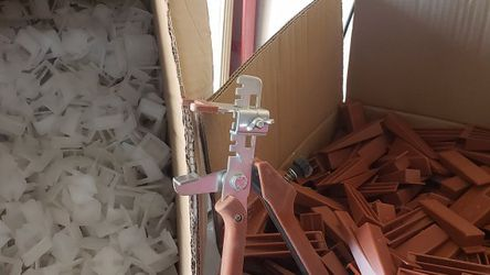 Tile leveling clips/wedges/tool for Sale in San Angelo,  TX