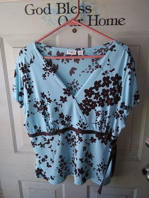 Women's size XL Cute Top ($2) for Sale in BRECKNRDG HLS, MO