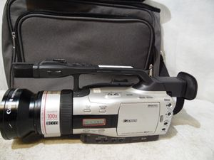 Canon GL2A 3CCD Digital Video Camera 100 X Zoom NTSC Professional Mini DV Japan for Sale in Upper Darby, PA