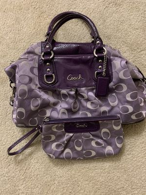Authentic Coach purse and wristlet for Sale in Chelmsford, MA