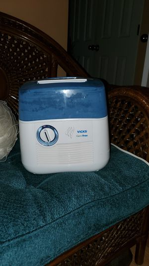 Vicks Germ Free Humidifier for Sale in Mableton, GA
