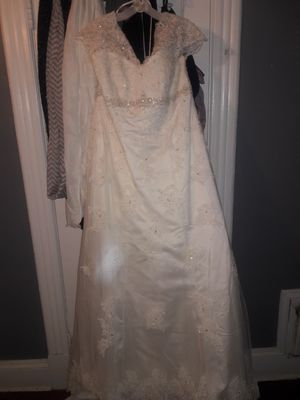Wedding dress size 18w never altered used for Sale in Hartford, CT