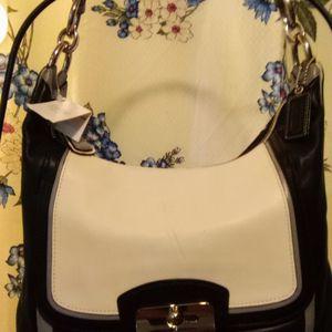 NWT Coach Handbag for Sale in Monroe, WA