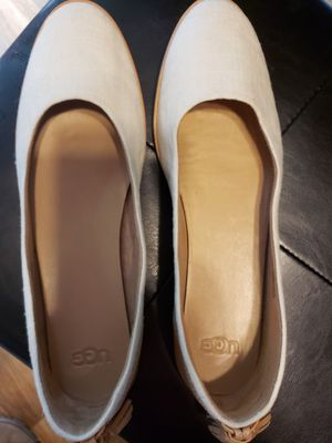 Women UGG flats sz 11 for Sale in Oregon City, OR