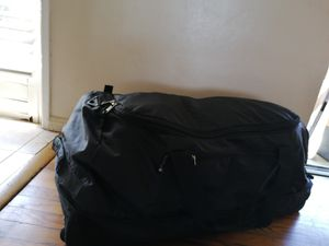 TPRC EX ROLLING DUFFLE BAG EXTRA LARGE SIZE ROLLING WHEELS for Sale in Spring Valley, CA