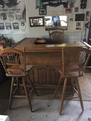 Solid oak bar in Immaculate condition for Sale in Woodbury, NJ