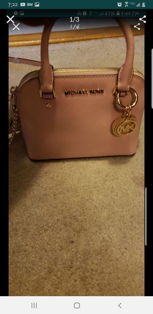 Michael kors crossbody bag for Sale in Springfield, VA