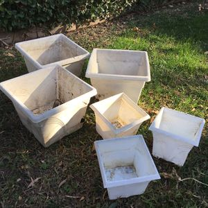 POTS FOR PLANTS BUNDLE for Sale in Rancho Cucamonga, CA