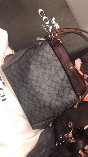 Coach shoulder purse for Sale in Mesa, AZ