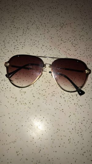 Versace Women's sunglasses for Sale in St. Louis, MO