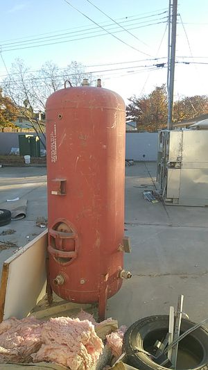 HOT WATER holdin tank.....200 or 250 gallon... for Sale in North Highlands, CA