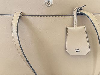 Tory Burch Robinson Tote Bag for Sale in League City,  TX