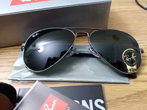 Ray-Ban 3025 aviator sunglasses for Sale in Schaumburg, IL