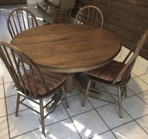 Solid Oak Dining Table w 4 chairs for Sale for sale  Euharlee, GA