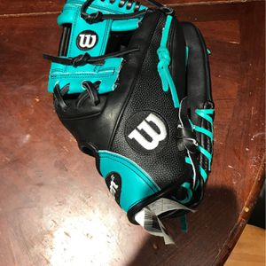Wilson A2000 Baseball Glove for Sale in Vancouver, WA