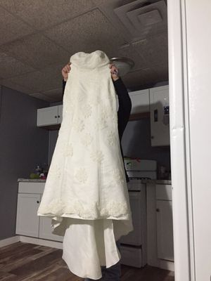 Wedding dress for Sale in Chaska, MN