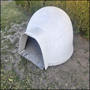 Large Iglu for Sale in Garden Grove, CA