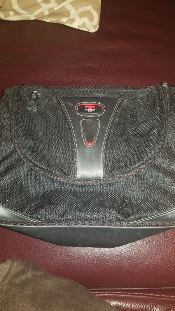 Tumi T-Tech extra large toiletry bag