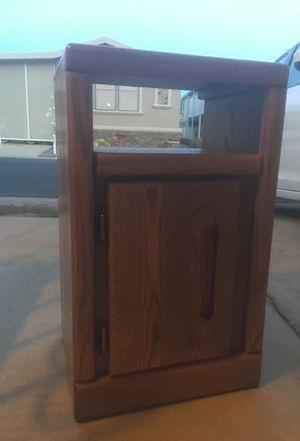 Small oak nightstand with shelf and cabinet. for Sale in Sun City, AZ