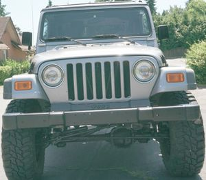 MODERN Jeep WRANGLER 2001 for Sale in Milwaukee, WI