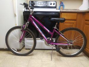 Trayl 24 girls mountain bike. for Sale in Englewood, CO