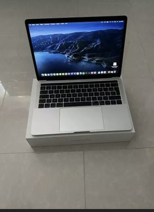 Apple macbook pro 2019 touch bar-silver (13' 3) - 128 gb ssd for Sale in Anchorage, AK
