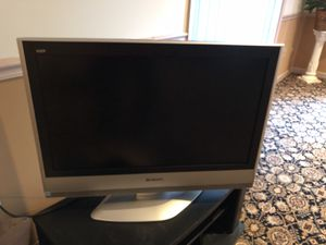 Flat screen TV Panasonic 32 inch for Sale in Gaithersburg, MD