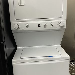 Kenmore Gas Stackable Washer And Dryer 27 Wide for Sale in Brea, CA