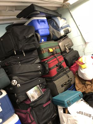 Bags, electronics,blender etc for Sale in Chelmsford, MA