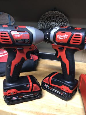 Milwaukee drill set M-18 for Sale in Burbank, IL