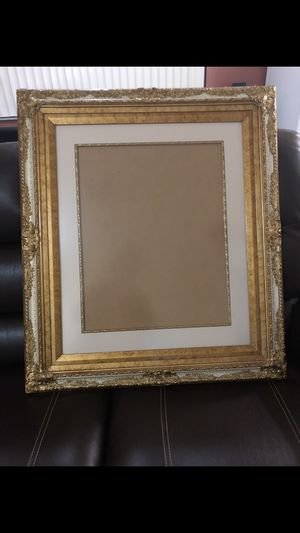 Picture frame (16x20) for Sale in Hialeah, FL