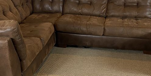 Large Brown Sectional Couch FREE DELIVERY for Sale in West Chester,  PA