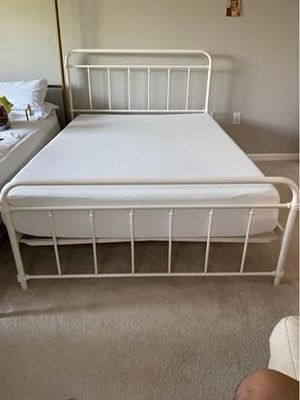 WHITE METAL FULL XL with memory foam mattress for Sale in Frederick, MD