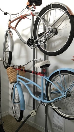2 cruiser bikes with vertical rack for Sale in Mercer Island, WA