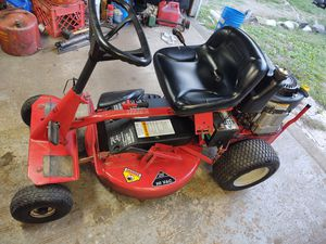 Snapper 28 inch riding mower for Sale in Thomaston, CT