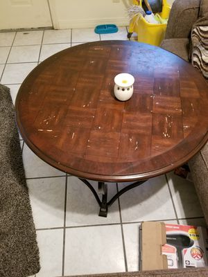 Coffee table for Sale in Monroe, LA