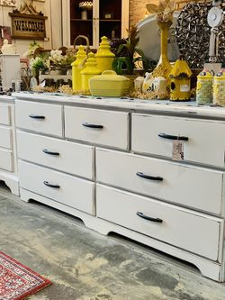 Refinished White Farmhouse Dresser for Sale in Sumner,  WA