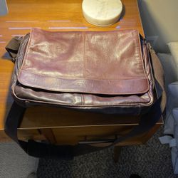 Kenneth Cole Messenger bag for Sale in Washougal,  WA