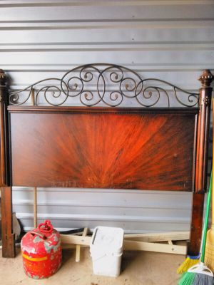Queen bedroom set for Sale in Sterling, VA