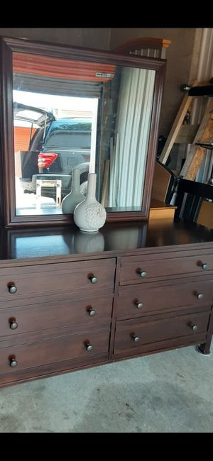 QUALITY SOLID WOOD DARK BROWN DRESSER 6 DRAWERS WITH BIG MIRROR ALL DRAWERS SLIDING SMOOTHLY EXCELLENT CONDITION for Sale in Fairfax, VA