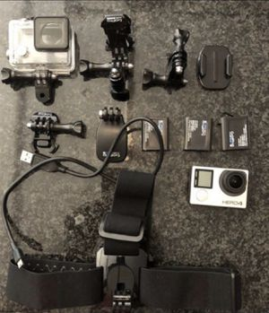 GoPro with accessories and bag Go Pro for Sale in Houston, TX