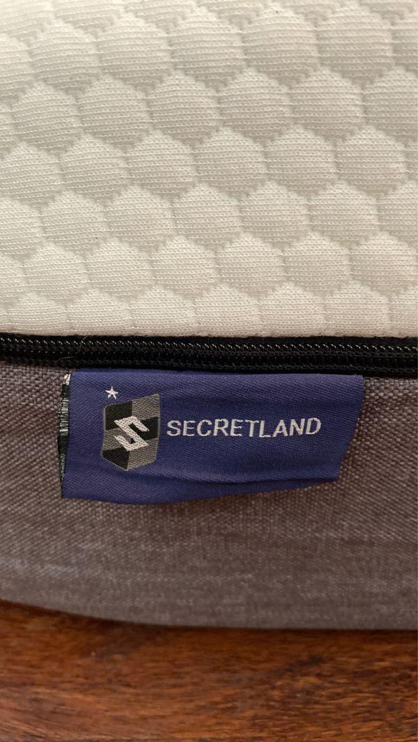 Almost new Temper pedic secretland mattress
