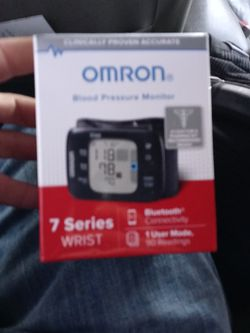 Omron 7 Series Blood Pressure Monitor for Sale in Salt Lake City,  UT