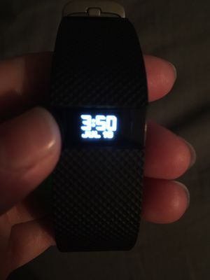 Fitbit Charge HR for Sale in Virginia Beach, VA