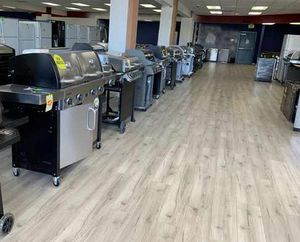 Barbecue Grill Liquidation Event! Char-Broil and Weber Grills! VEGR7 for Sale in El Paso, TX