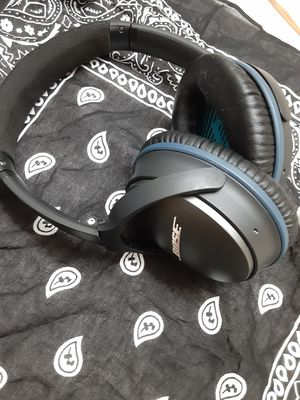 Bose Qc25 Noise Cancelling Headphones for Sale in Denham Springs, LA