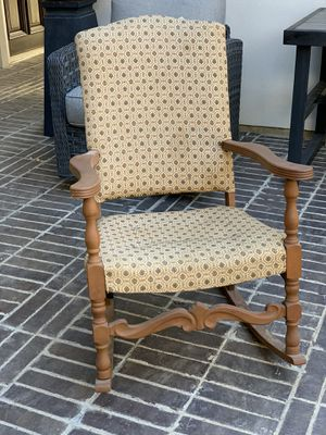 Antique Rocking Chair for Sale in Crowley, TX