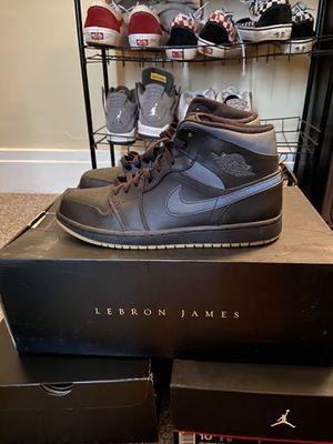 Jordan 1 Mid Black/Gum Size 10.5 for Sale in Buffalo, NY