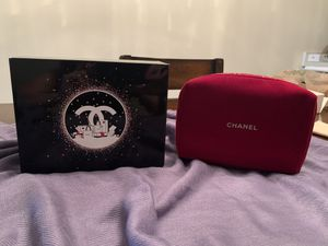 Authentic Chanel Makeup Bag for Sale in Davie, FL