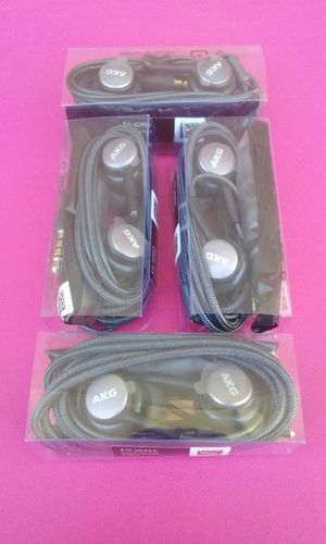 4 Samsung S9 S8 AKG Headphones Brand New for Sale in National City, CA